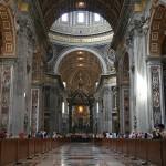 0_Nef_-_Basilique_St-Pierre_-_Vatican_adj