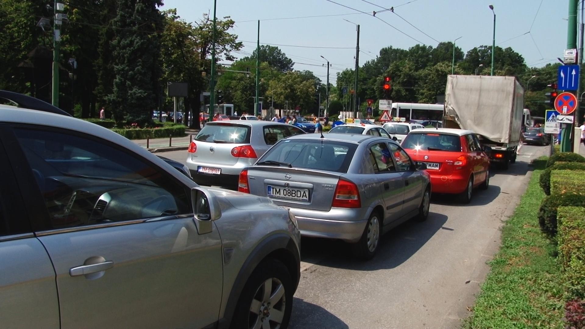 Trafic rutier Timisoara Catedrala.Still011