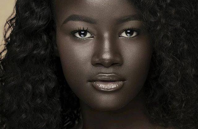 Cauta? i o femeie neagra