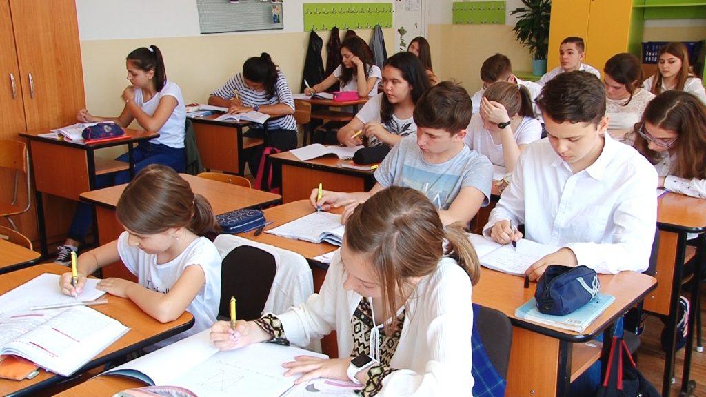 Elevii timișeni simulează examenele naționale.Still002