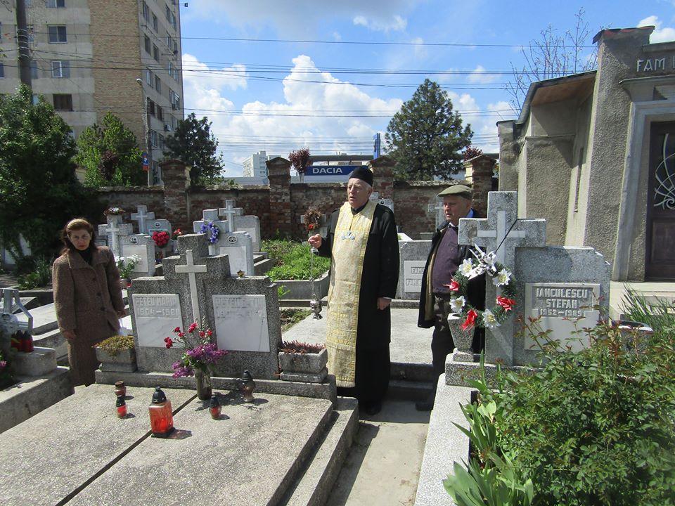 Cimitir 4