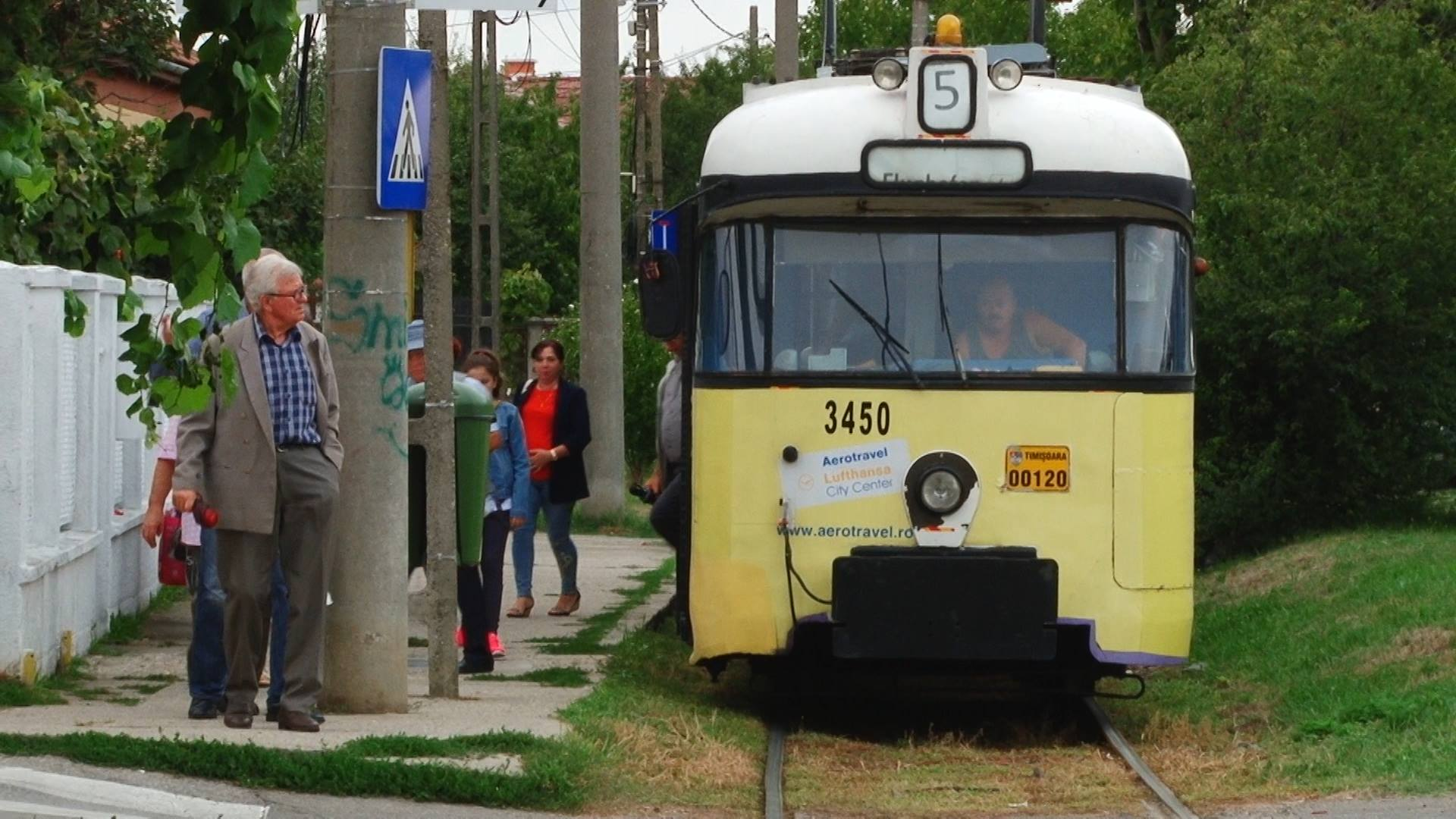 Ronaţ Un Cartier Rupt De Oraş Cu Un Singur Mijloc De Transport în