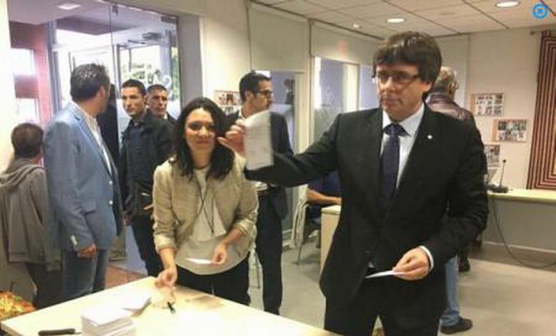 referendum--catalonia-carles-puigdemont