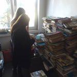 donatie de carte studenti liberali pentru biblioteca din Darova (1)