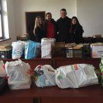 donatie de carte studenti liberali pentru biblioteca din Darova (2)