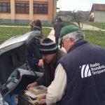 donatie de carte studenti liberali pentru biblioteca din Darova (3)