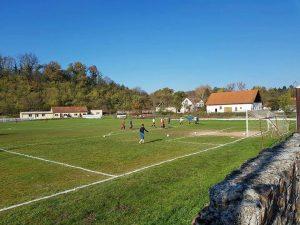 teren fotbal savarsin