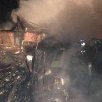 Incendiu de proporții la Reșița, vezi de la ce a pornit vâlvătaia (3)