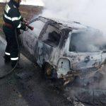 autoturism in flacari pe DN 58 B (3)