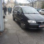 masini parcare trotuar (11)