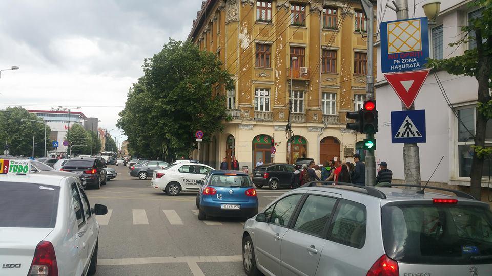 intersectie blocata7